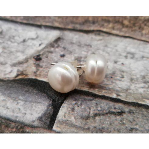 Fehér tenyésztett gyöngy fülbevaló