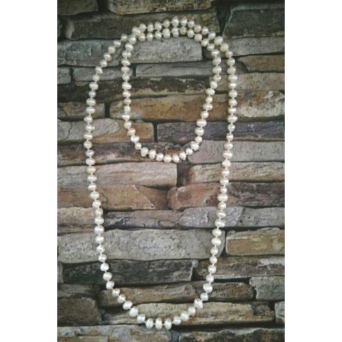 Fehér tenyésztett gyöngy hosszú nyaklánc