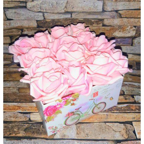 Habrózsa csokor díszdobozban több méretben ajándék karkötővel - világos rózsaszín