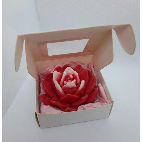 Virág alakú szappan díszdobozban